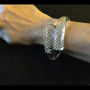 Beautiful Volpino lucite crystal bracelet. NWOT.